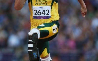 Oscar Pistorius, condamnat la cinci ani de închisoare pentru uciderea prietenei sale