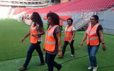 INEDIT / Un club brazilian a angajat mamele suporterilor ca oameni de ordine