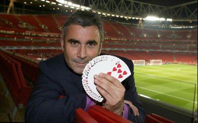 INEDIT / Știați că Arsenal, Tottenham, Chelsea sau Manchester United au în organigrama clubului magicieni ? La ce sunt folosiți ?