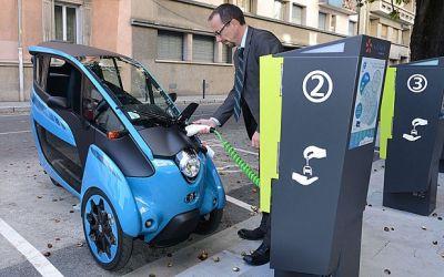 Norvegia vrea să interzică vânzarea de maşini noi diesel şi pe benzină. Obiectivul este de a avea doar mașini electrice