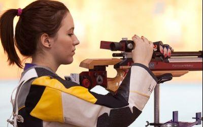 Interviu exclusiv cu trăgătoarea Laura Ilie : Vreau să fiu prima fată din România care se califică la Jocurile Olimpice la pușcă