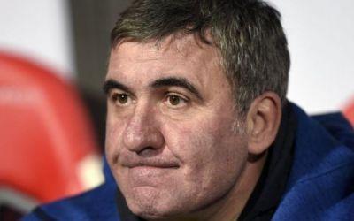 Metoda Viitorul vs. metoda Dictatorul. Care este mai potrivită pentru fotbalul românesc?