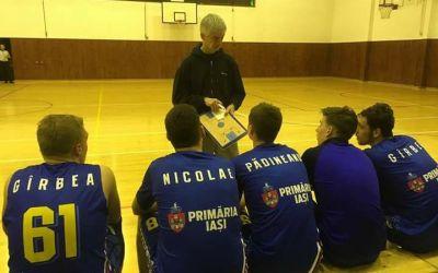 Interviu exclusiv cu John Tsirogiannis, antrenorul lui Poli Iași, despre problemele, dar și viitorul baschetului românesc