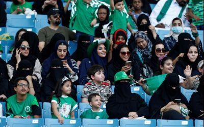 Femeile din Arabia Saudită vor avea voie să intre pe stadioane