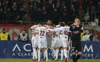 Liga 1: CFR Cluj câștigă meciul cu Dinamo și revine pe primul loc în clasament
