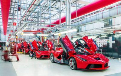 Ferrari nu mai face față cererilor, deși produce 8400 de mașini anual