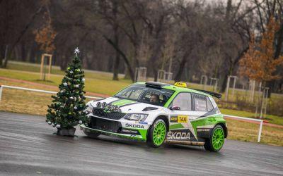 VIDEO / Campionul mondial din WRC 2 a lucrat o zi ca taximetrist și le-a oferit senzații tari pasagerilor