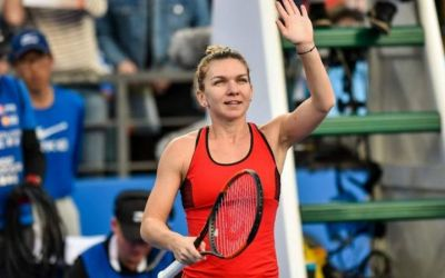 Au revoir, Eugenie! Simona Halep trece lejer în turul următor la Australian Open