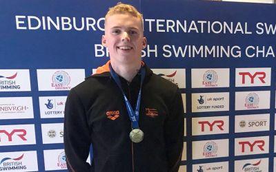 Lewis Burras, noua senzație a înotului britanic, venit din Dubai pentru a răpune granzii