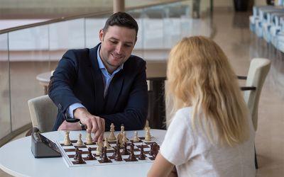 Interviu cu Andrei Murariu, mare maestru internațional de șah, despre situația acestui sport în România și beneficiile șahului : Un computer nu poate înlocui complet antrenorul