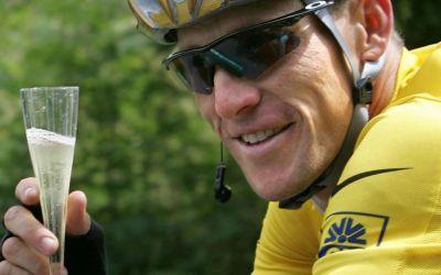 Lance Armstrong scapă de procesul cu guvernul american