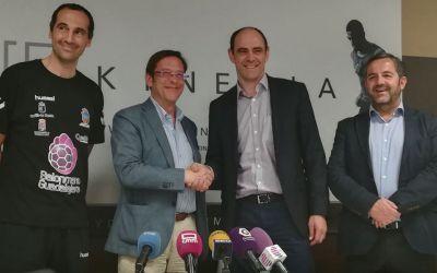 Nemuritorul Javier Hombrados, la 46 de ani, și-a prelungit contractul în prima ligă spaniolă de handbal
