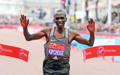 Eliud Kipchoge se impune în maratonul de la Londra