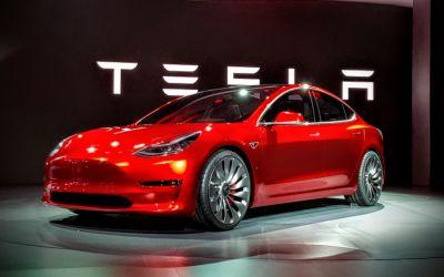Tesla riscă falimentul, după ce a raportat pierderi de aproape 800 de milioane de dolari în 2018
