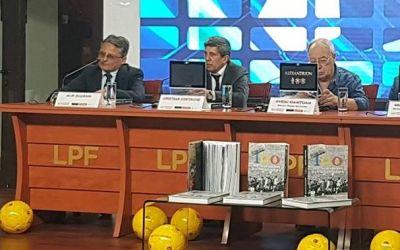 """LPF a lansat cartea """"100 - Poveștile nemuritoare ale fotbalului românesc"""""""