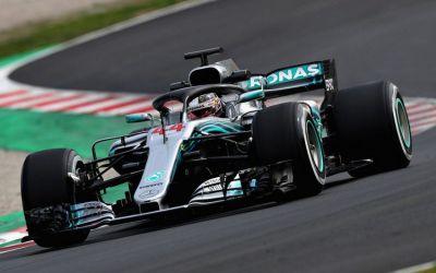 Formula I: Lewis Hamilton continuă weekend-ul perfect în Barcelona cu un pole-position