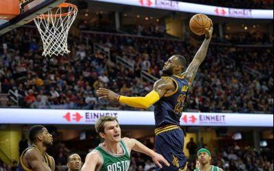 NBA: LeBron James îi conduce pe Cleveland Cavaliers spre a patra finală consecutivă