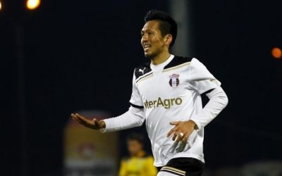 Takayuki Seto va juca în fotbalul japonez