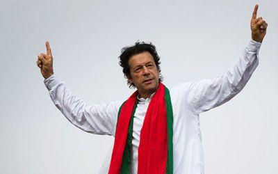 Sportul, propulsor pentru politică: Fostul jucător de crichet Imran Khan, ales prim-ministru al Pakistanului