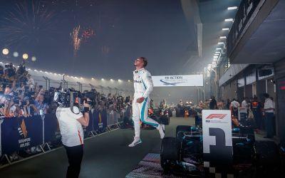 Formula I: Lewis Hamilton, câștigător în Singapore