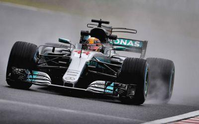 Formula 1: Lewis Hamilton, triumfător în Japonia și aproape campion mondial