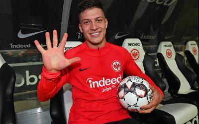 VIDEO/ Atacantul lui Eintracht Frankfurt, Luka Jovic a înscris de 5 ori în victoria cu Fortuna Dusseldorf