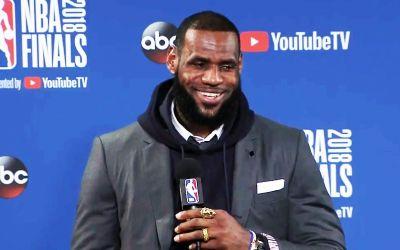 Scandal în sportul american. LeBron James acuză de sclavagism patronii din NFL