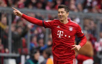 Bundesliga: Bayern și Dortmund continuă lupta la vârf, iar Lewandowski mai bate un record