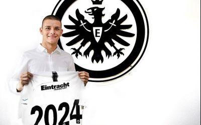 Eintracht Frankfurt îl înlocuiește pe Jovic cu un alt sârb de perspectivă