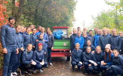 FOTO / Lecţie de ecologie de la campioni. Canotorii din lotul olimpic au strâns gunoaiele din zona lacului Snagov
