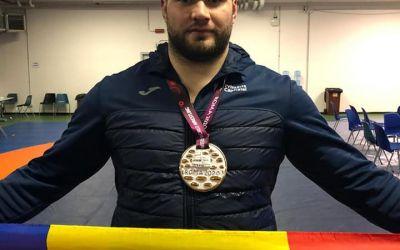 Alin Alexuc, campion european la lupte