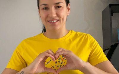 Cristina Neagu  va dona banii obținuți din vânzarea a peste 100 de tricouri