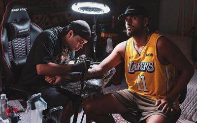 VIDEO / Kyrgios și tatuajele omagiale pentru Kobe Bryant și LeBron James