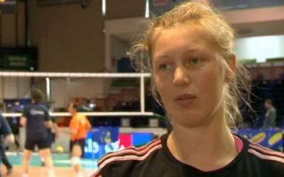 Voleibalista Ilka Van de Vyver, de la Târgoviște, s-a angajat într-un supermarket pe timp de pandemie