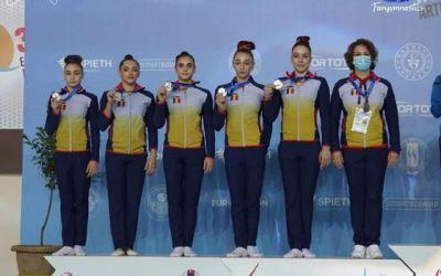 Echipa feminină de gimnastică a României, medaliată cu argint la Europeanul din Turcia