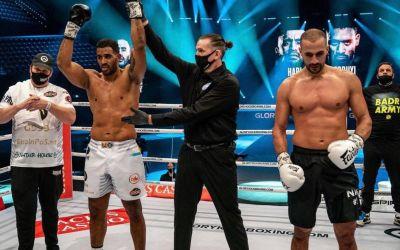 Benny Adegbuyi l-a învins pe Badr Hari într-o gală la Rotterdam