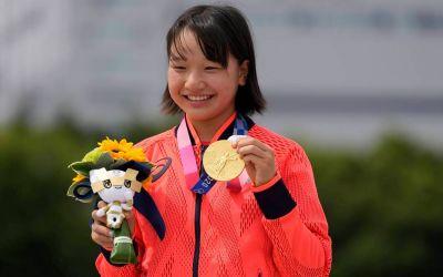 Momiji Nishiya, la doar 13 ani, prima campioană olimpică din istorie la skateboard