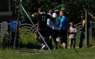 FOTBALUL MIC / Orgolii multe, niciun gol într-un derby al Ligii a V-a Hunedoara