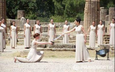 Flacăra olimpică pentru Soci a fost aprinsă la Olimpia