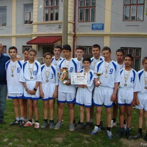 Elevii unei școli din județul Sibiu, câștigători ai Olimpiadei Naționale de Oină