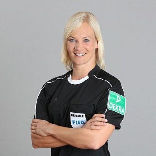 Povestea Bibianei Steinhaus, prima femeie care va arbitra în Bundesliga