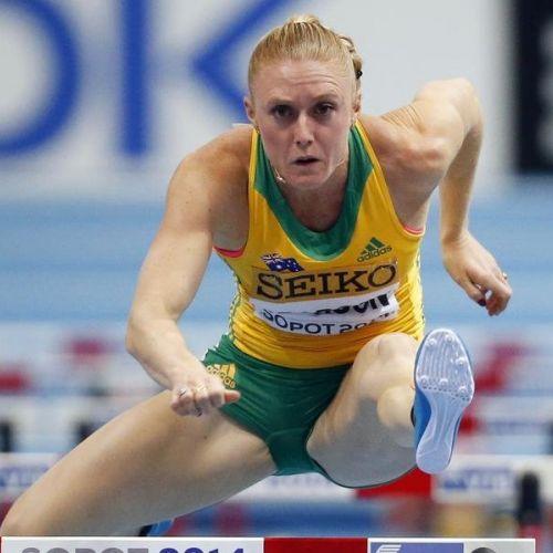 Sally Pearson s-a întors după o accidentare ce a ținut-o departe de pistă peste un an și a câștigat titlul la 100 m garduri