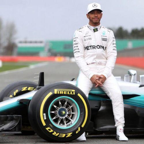 Lewis Hamilton va deveni cel mai bine plătit pilot din Formula 1. Mercedes îi oferă un contract record