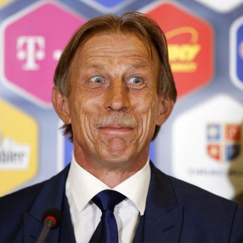 A dat chix cu România în preliminarii, dar poate antrena la Mondial. Christoph Daum, dorit ca selecționer al Australiei