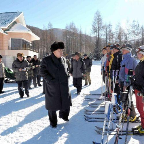 Kim Jong-Un a solicitat participarea sportivilor nord-coreeni la Jocurile Olimpice și a amenințat cu armele nuclere