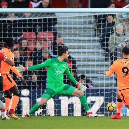Premier League: United se împiedică la Newcastle, iar Liverpool câștigă pe terenul lui Southampton