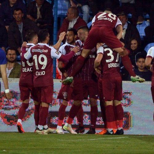 Liga 1: CFR Cluj învinge campioana Viitorul și urcă pe primul loc în clasament