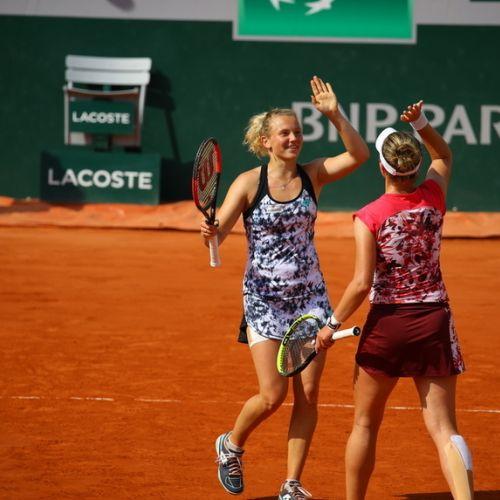 Krejcikova și Siniakova sunt câștigătoarele probei de dublu la Roland Garros