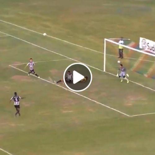 VIDEO / Portarul brazilian cu 4 intervenții în 5 secunde