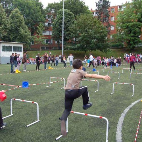 Analiză / Sportul în școli: România pregătește scoaterea profesorilor de la clasele pregătitoare, Franța vrea să crească numărul de ore de sport